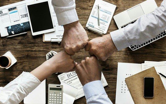 Szybka i nowoczesna obsługa biura w biznesie franczyzowym